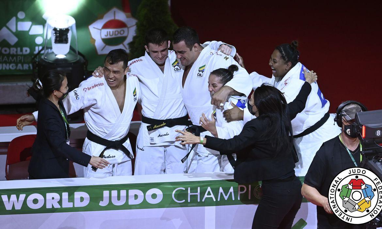 judo:-brasil-bate-russia-e-fatura-o-bronze-por-equipes-no-mundial