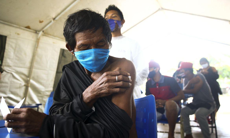 covid-19:-82%-dos-indigenas-receberam-1a-dose,-diz-ministerio-da-saude