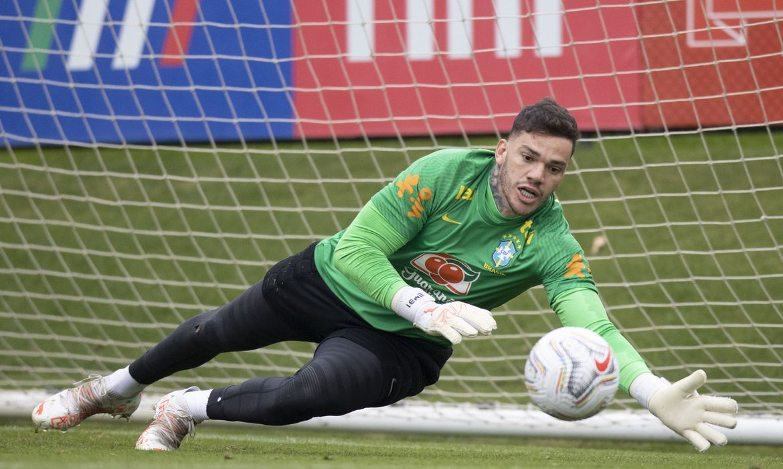 com-ederson-no-gol,-brasil-encerra-preparacao-para-enfrentar-peru