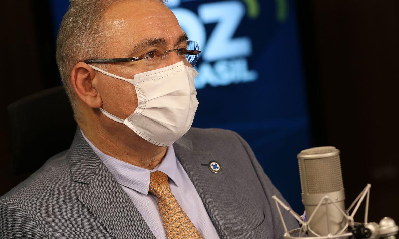 brasil-antecipou-mais-de-16-milhoes-de-doses-de-vacinas,-diz-queiroga