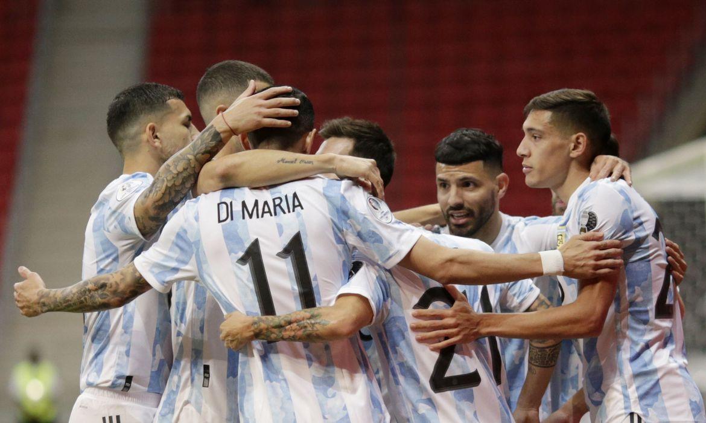 copa-america:-argentina-derrota-paraguai-e-assume-ponta-do-grupo-a