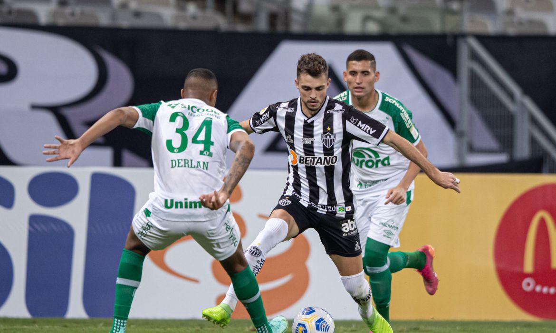 atletico-mg-e-chapecoense-empatam-em-1-a-1-pelo-brasileiro