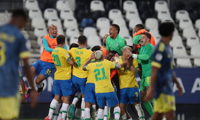copa-america:-brasil-vence-colombia-no-fim-em-duelo-com-gol-polemico