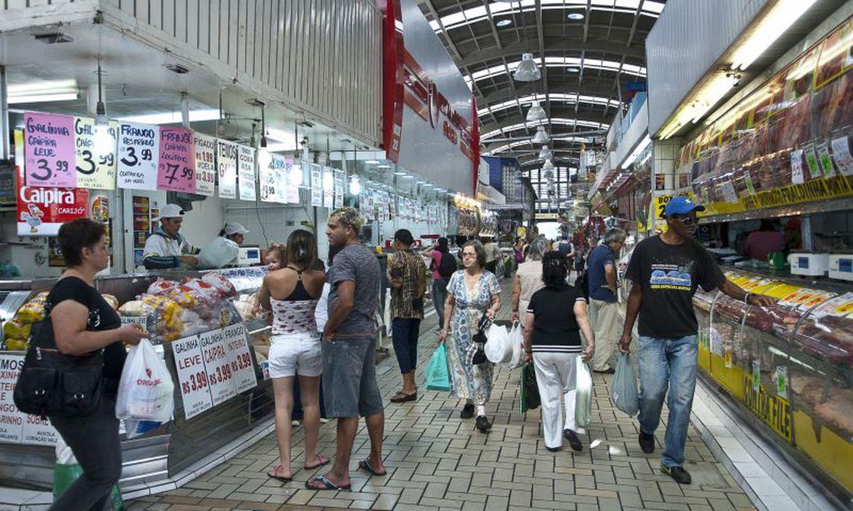 confianca-do-consumidor-atinge-maior-indice-desde-novembro-de-2020