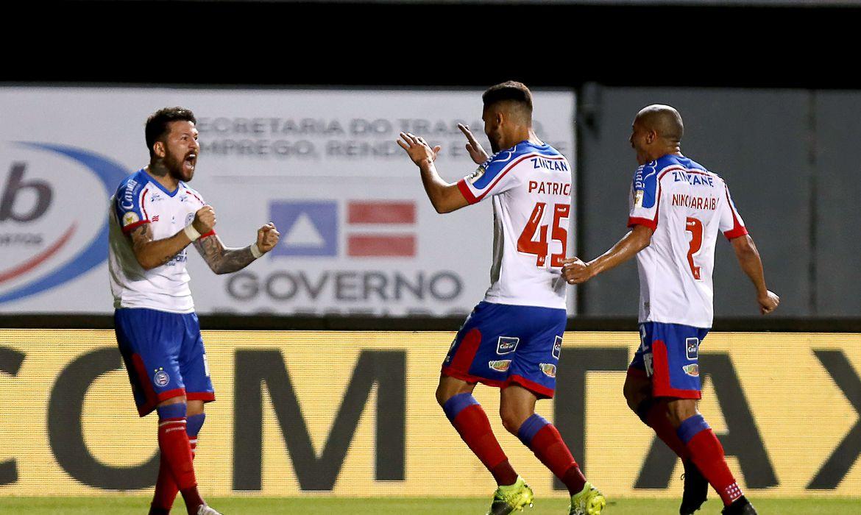 brasileiro:-bahia-derrota-athletico-pr-e-entra-no-g4