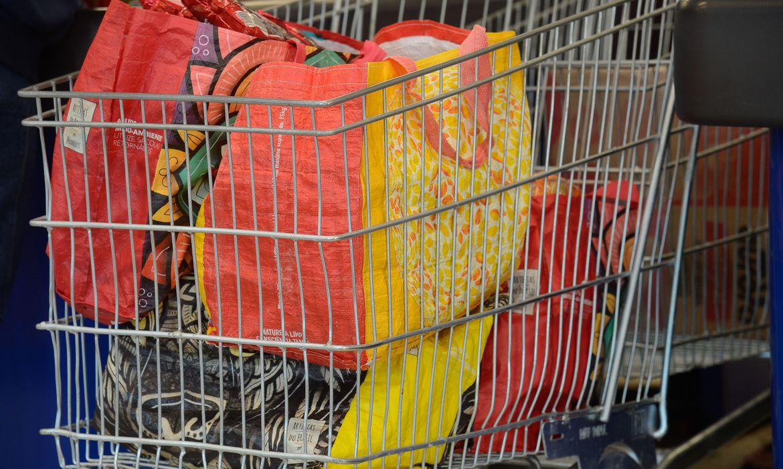 rj:-supermercados-tiram-de-circulacao-4,3-bilhoes-de-sacolas-plasticas