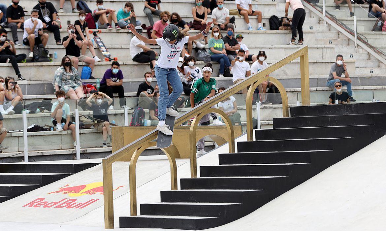 olimpiada:-com-13-anos,-rayssa-leal-e-a-cacula-da-delegacao-brasileira