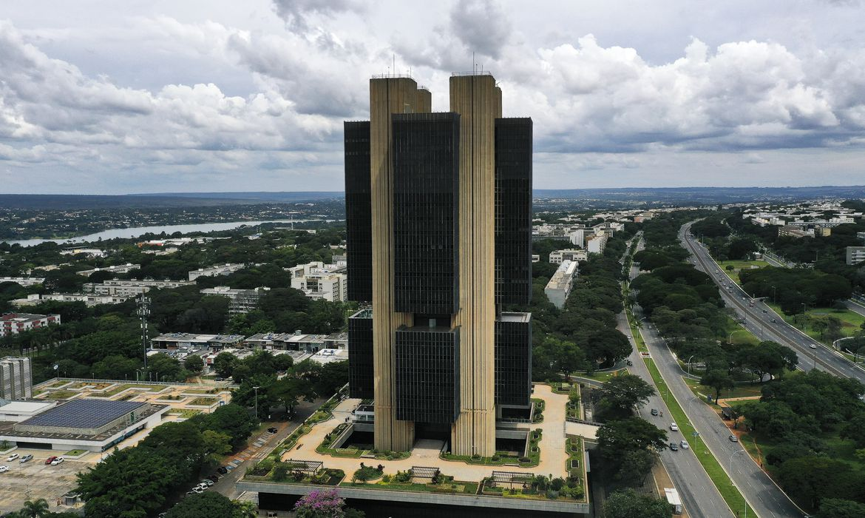 previsao-do-mercado-financeiro-para-crescimento-do-pib-sobe-para-5,05%