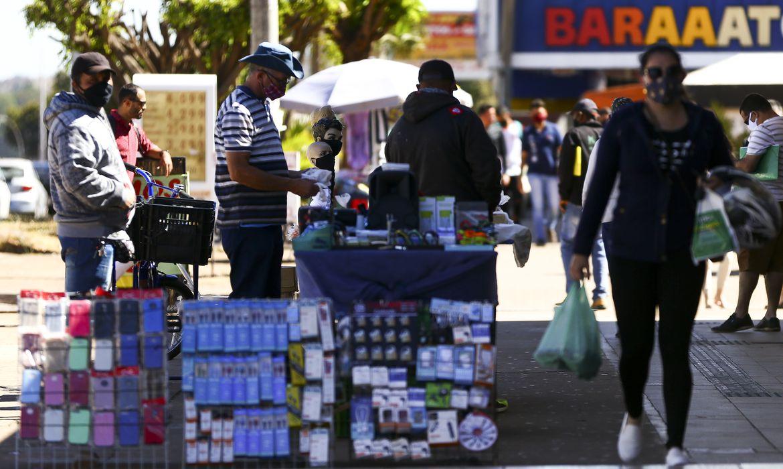 desemprego-bate-recorde-de-14,7%,-diz-ibge