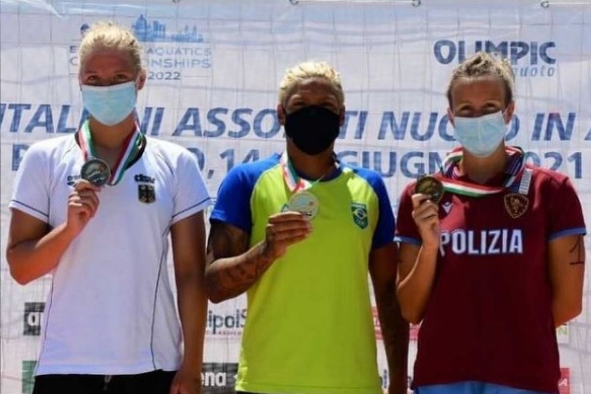 Brasileira ganha ouro no Campeonato Italiano de Águas Abertas