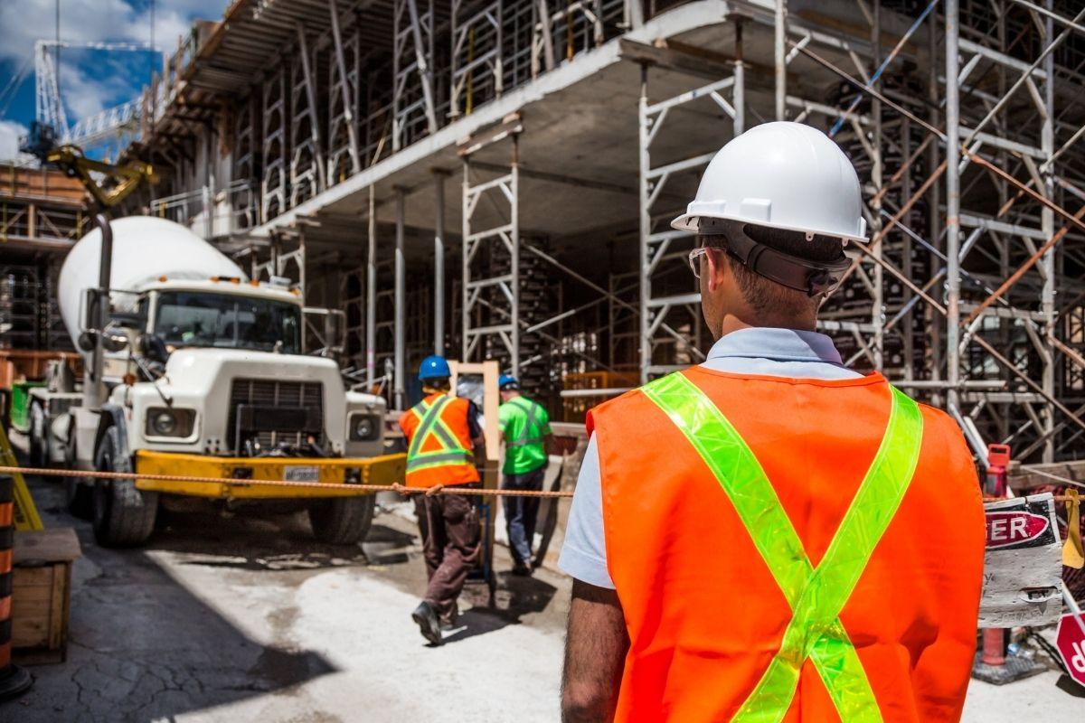 Custo da construção cresce 2,3% em junho, diz FGV