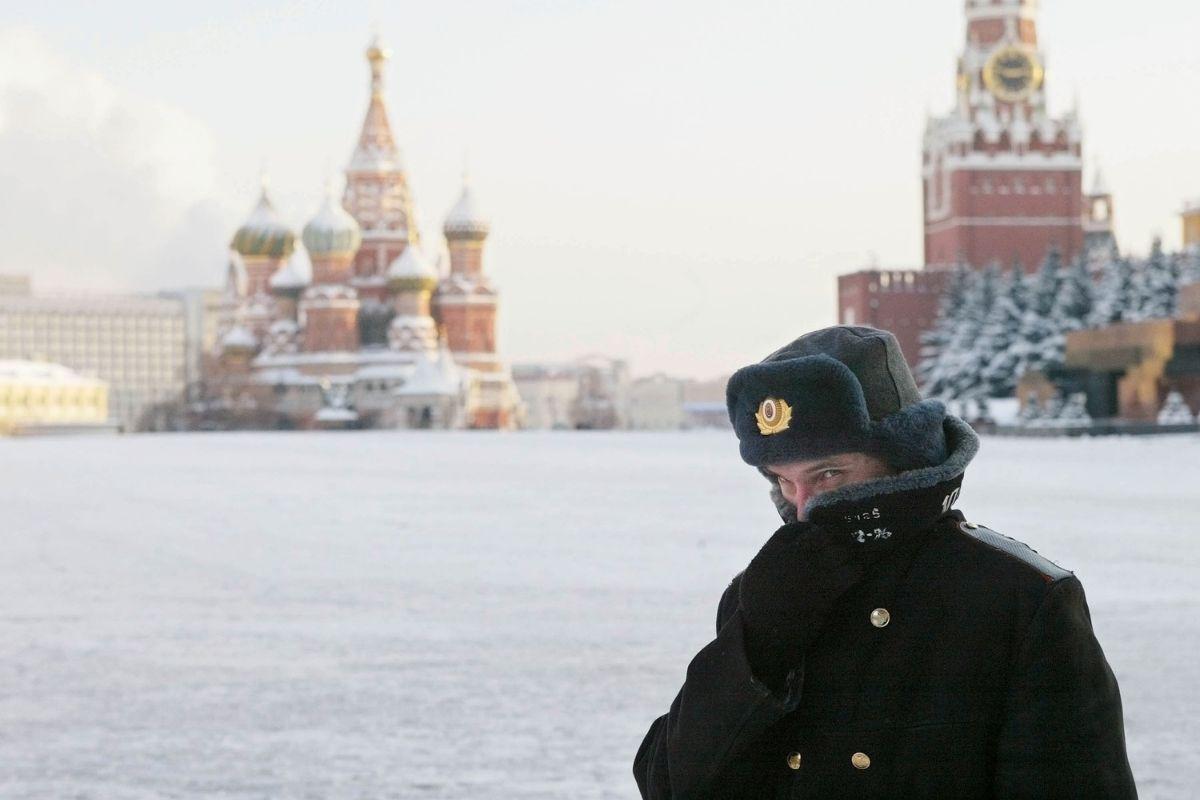 Maioria dos russos desconfiam da vacina Sputnik V