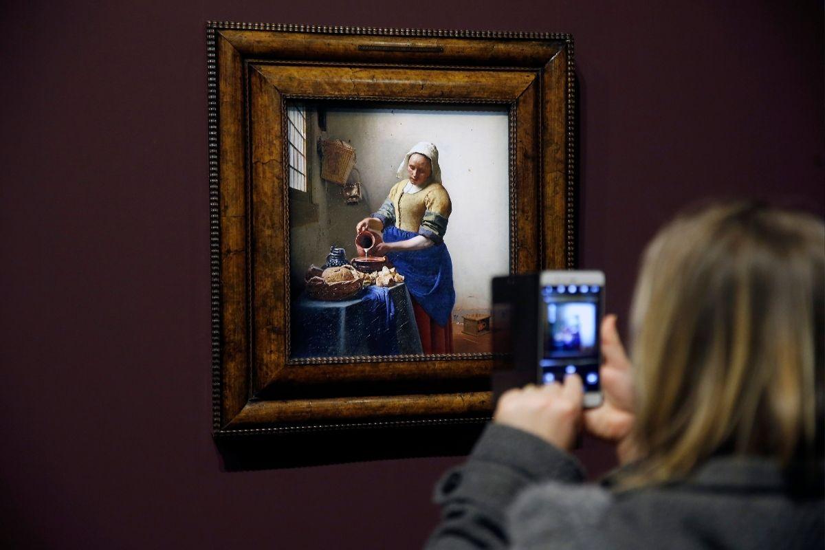 Mercado de arte se reinventa com a realidade aumentada