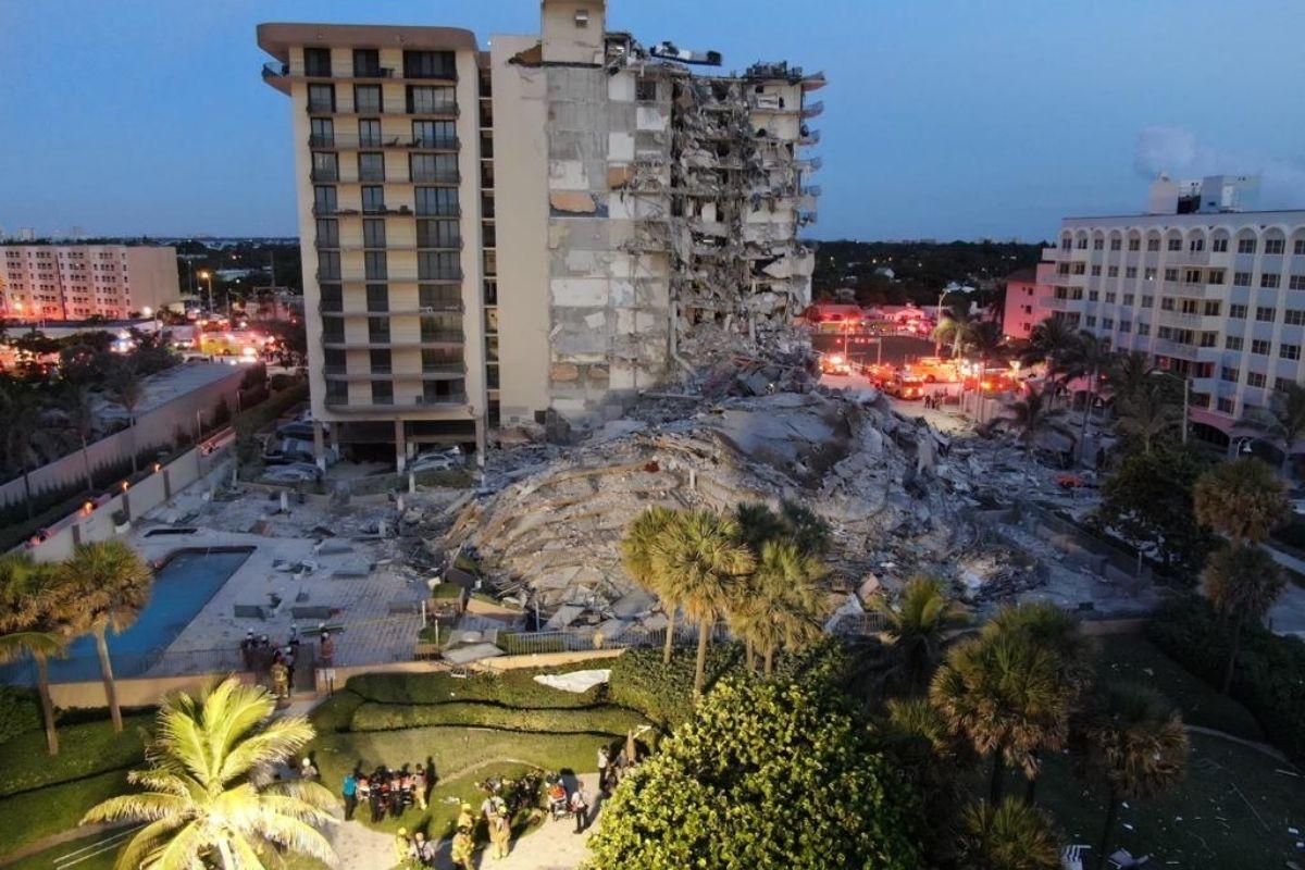 Prédio desmorona parcialmente na Flórida e uma pessoa morre