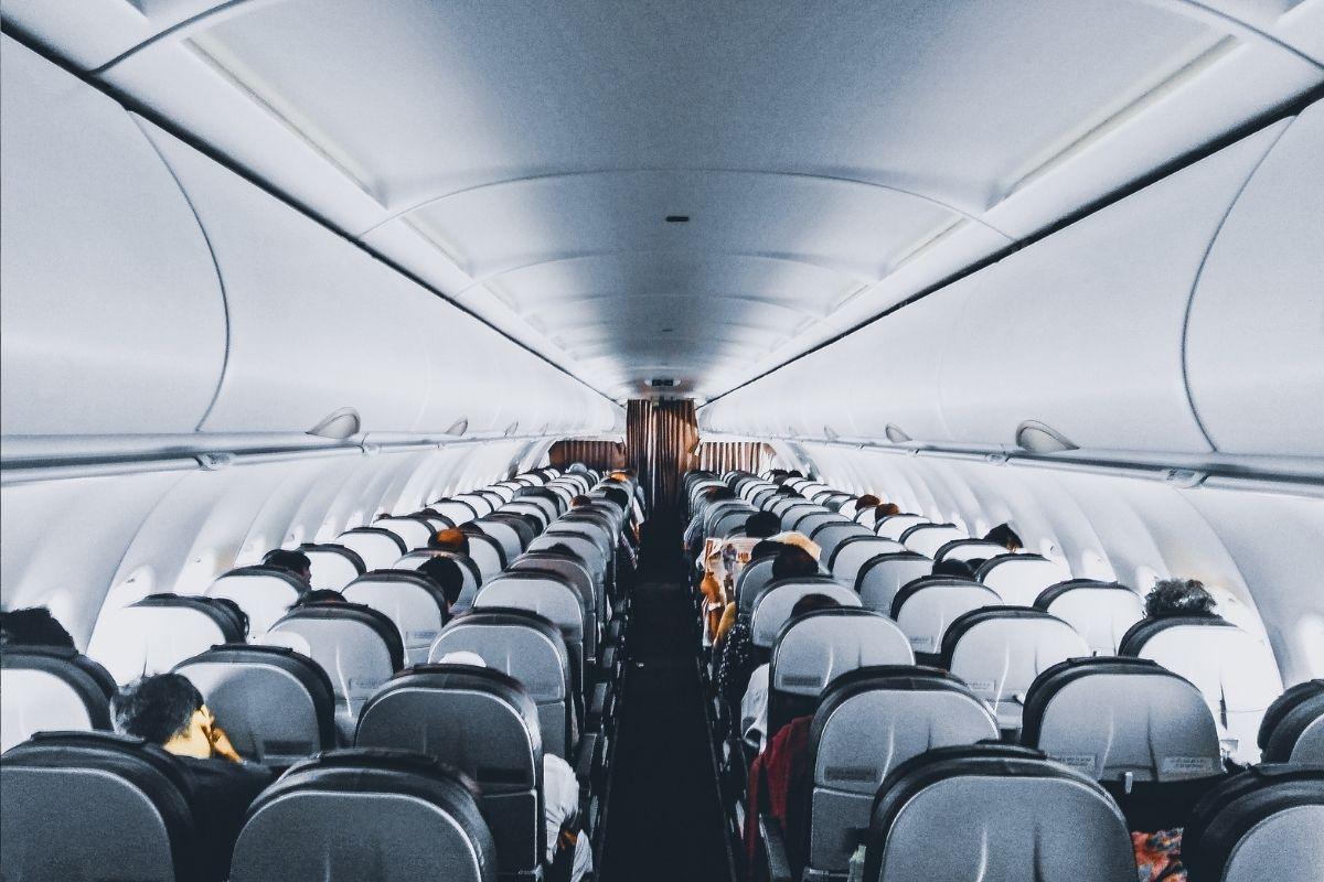 Prefeitura de SP monitora tripulantes de voo que chegou da Índia