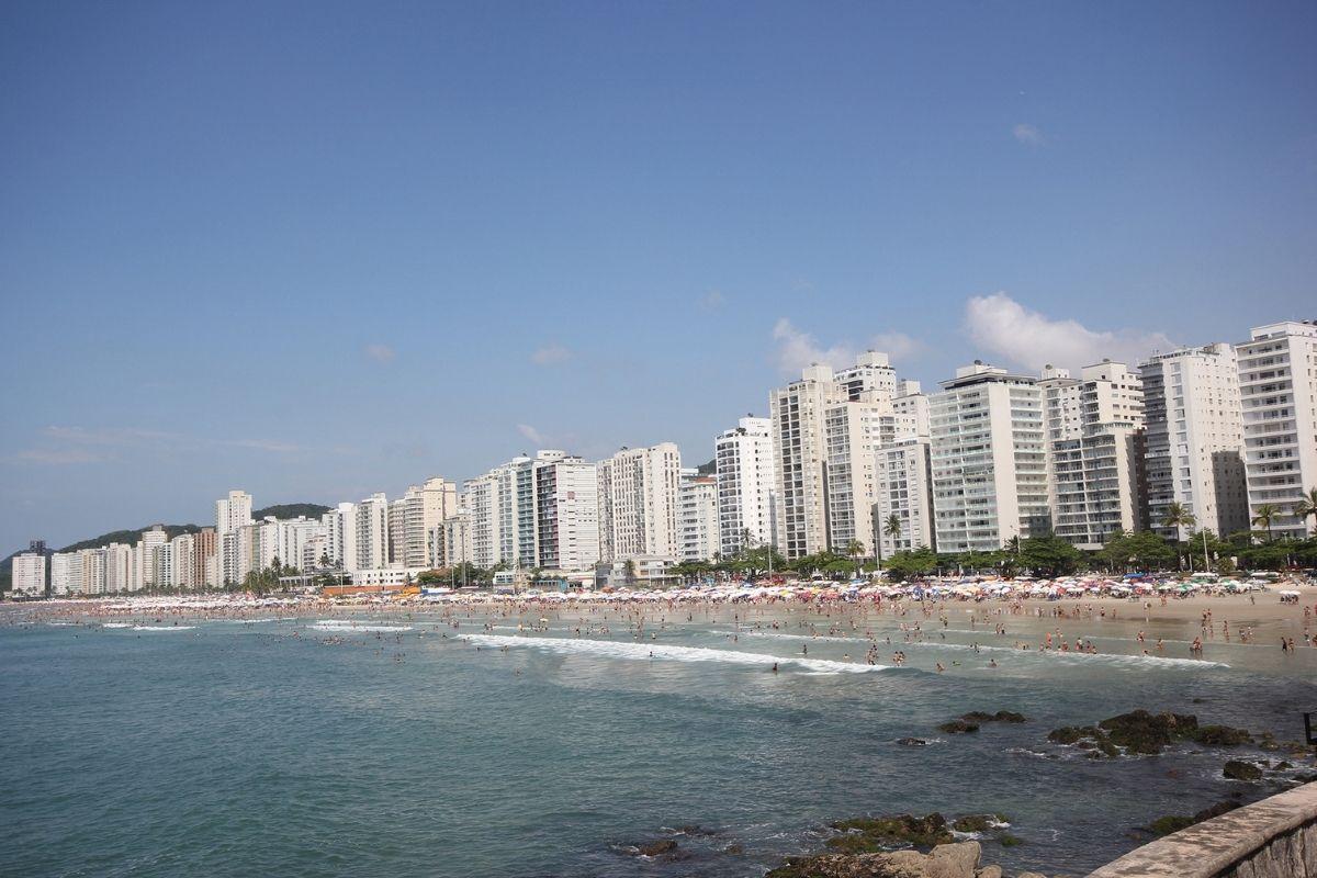 SP navio bate em atracadouro no Guarujá