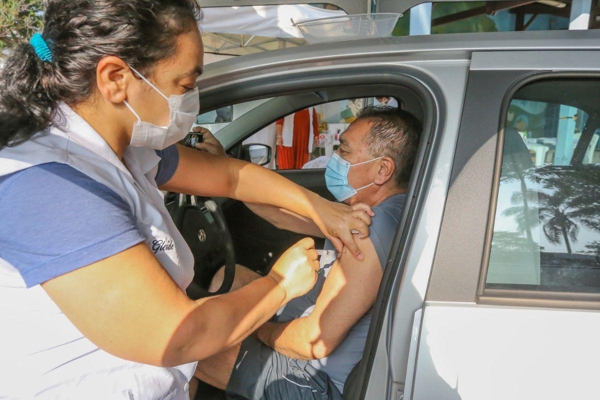 SP quer vacinar população com mais de 18 anos até outubro