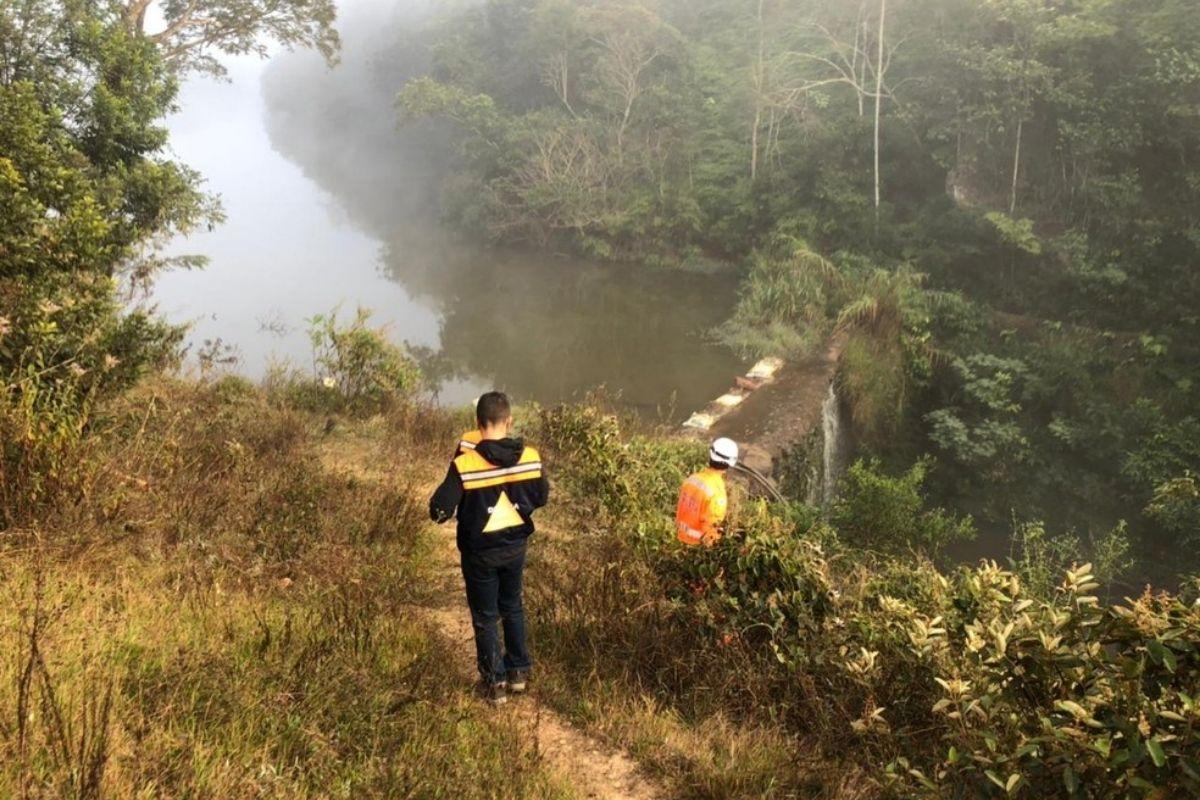 Vazamento em barragem mobiliza defesa civil mineira
