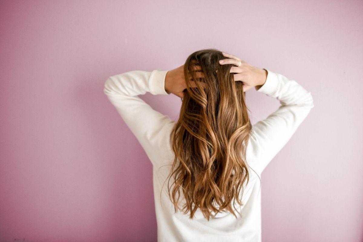 Vitaminas que ajudam a fortalecer cabelos e unhas
