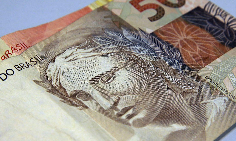 bolsonaro-sanciona-lei-que-protege-consumidores-do-superendividamento