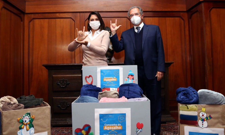 patria-voluntaria-recebe-doacoes-feitas-para-campanha-do-agasalho