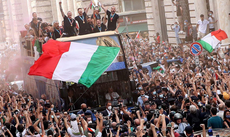 eurocopa:-italia-comemora-gloria-no-futebol
