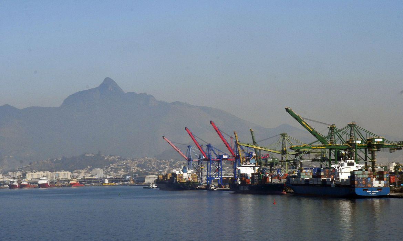 aeb-preve-aumento-das-exportacoes-e-importacoes-e-superavit-recorde