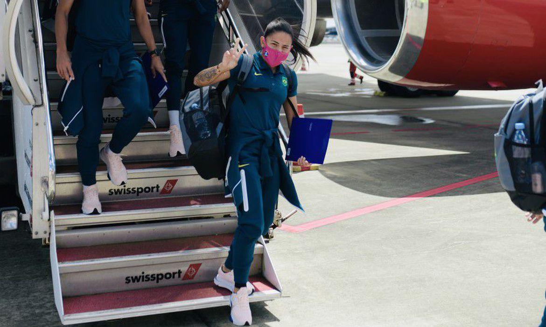 olimpiada:-selecao-feminina-desembarca-em-toquio-a-5-dias-da-estreia