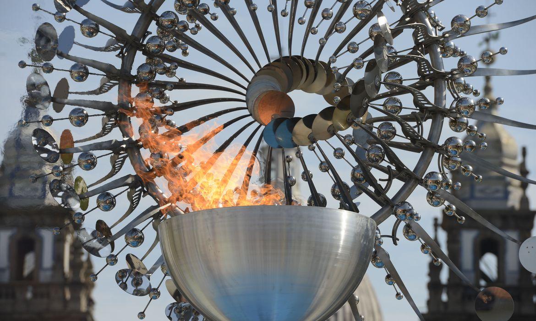 pira-olimpica-rio-2016-e-acesa-em-homenagem-aos-jogos-de-toquio