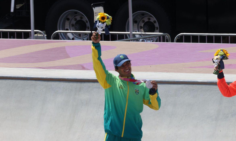 prata-de-kelvin-hoefler-e-a-primeira-medalha-brasileira-em-toquio