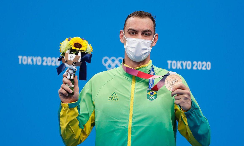 olimpiada:-fernando-scheffer-fatura-bronze-na-natacao
