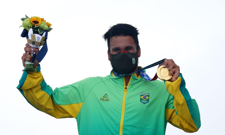 da-tampa-de-isopor-ao-ouro-olimpico,-a-longa-jornada-de-italo-ferreira