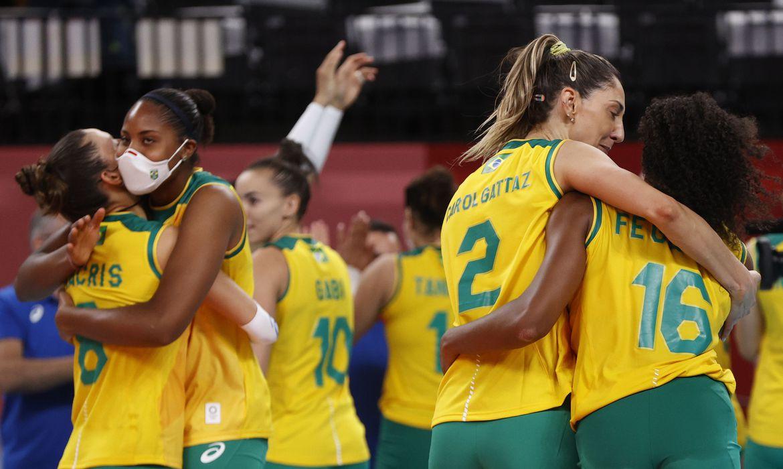 volei:-brasileiras-tem-vitoria-apertada-contra-dominicanas