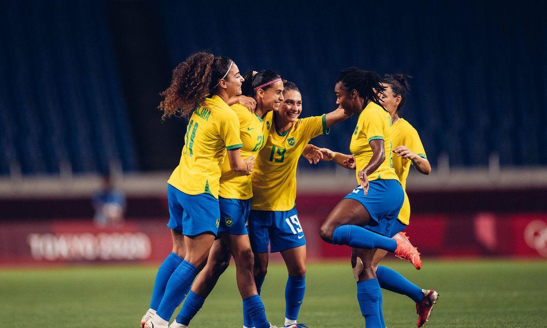 selecao-feminina-de-futebol-bate-a-zambia-e-pega-o-canada-nas-quartas
