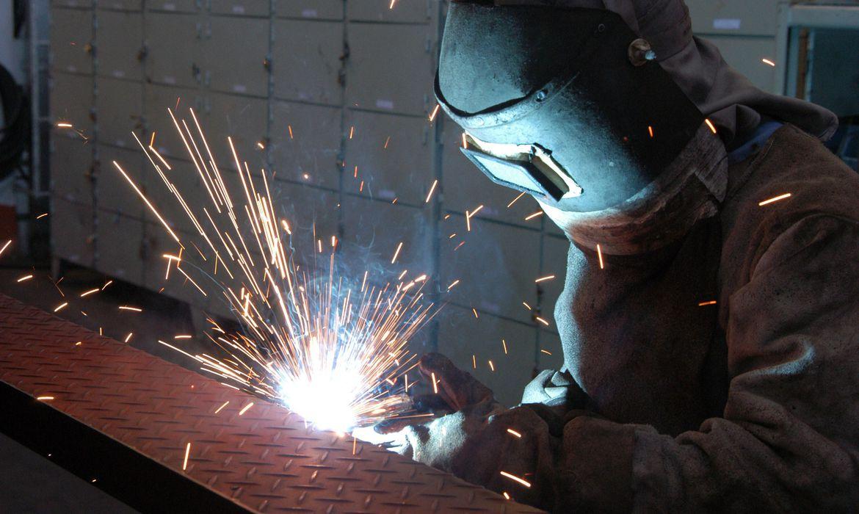 fgv-diz-que-confianca-da-industria-atinge-maior-patamar-desde-janeiro