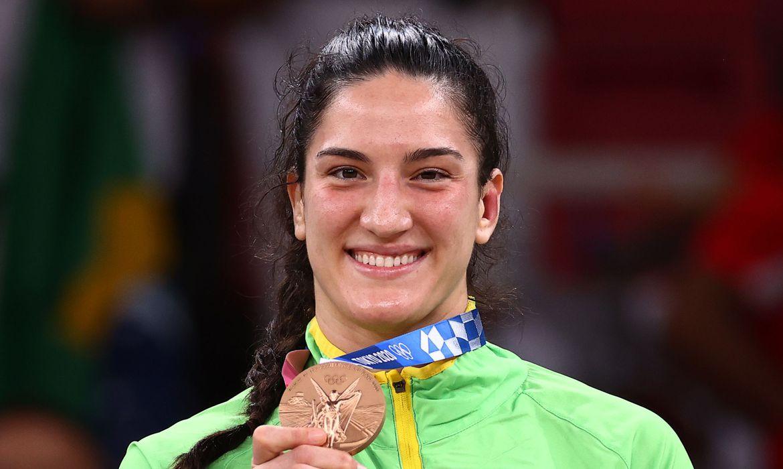mayra-aguiar-conquista-bronze-no-judo-na-olimpiada-de-toquio