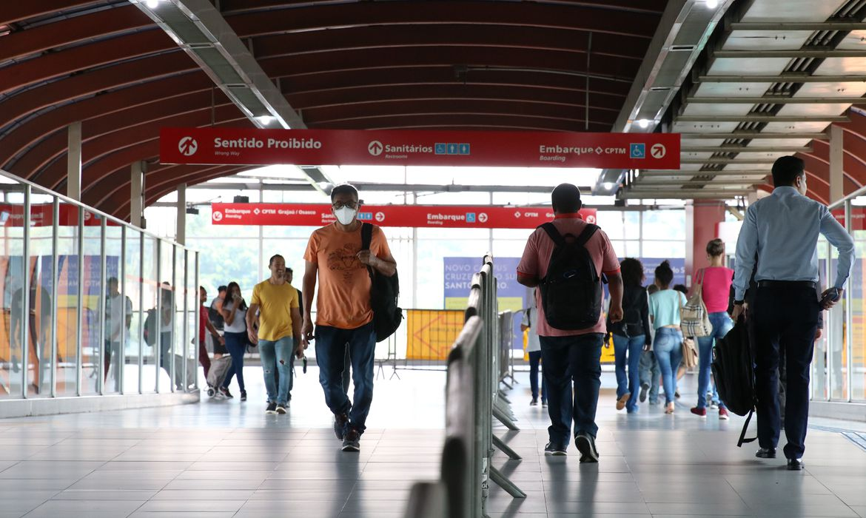 covid-19:-brasil-tem-42,2-mil-casos-e-1,3-mil-mortes-em-24-horas
