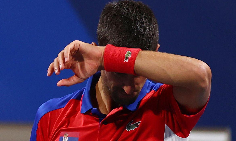 djokovic-e-derrotado-por-zverev-e-da-adeus-ao-ouro-olimpico-em-toquio