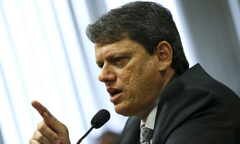 ministro-anuncia-retomada-de-obras-do-arco-metropolitano-do-rio