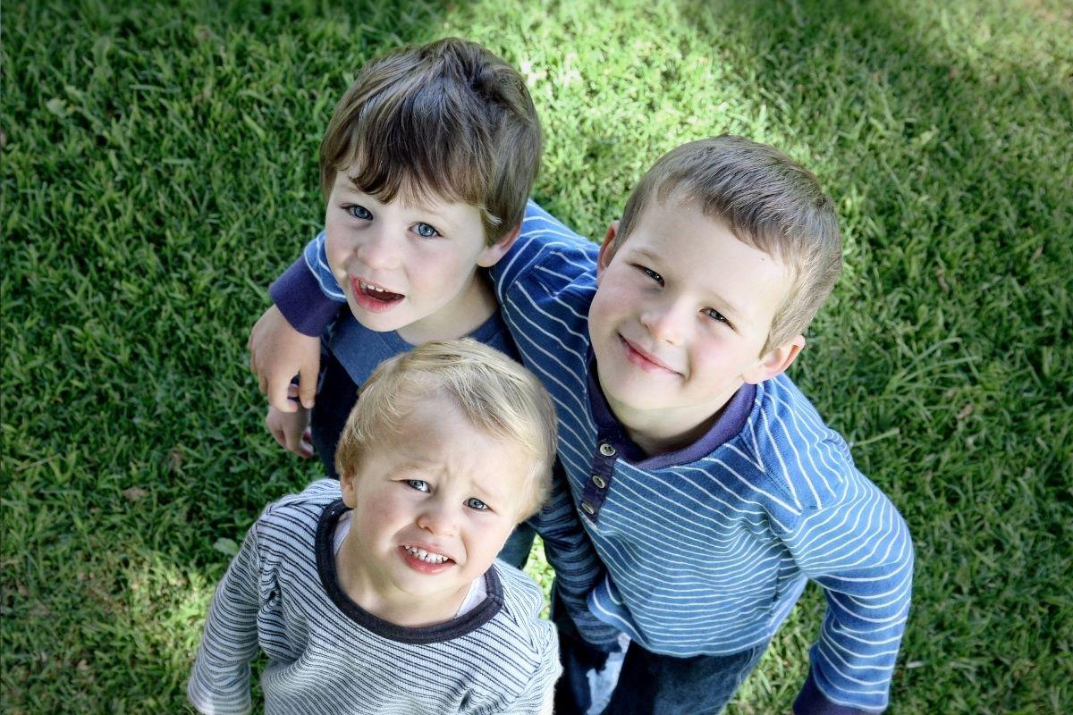 A ordem do nascimento afeta a personalidade de irmãos