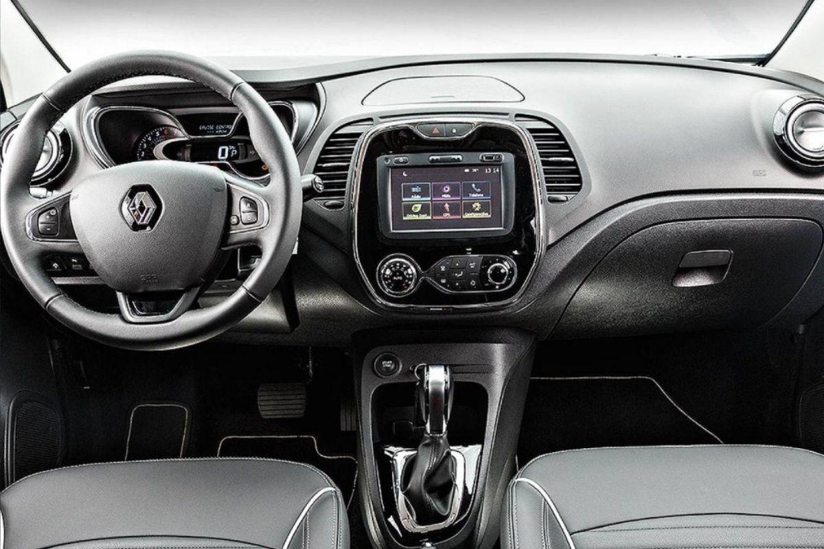 Conheça o interior do Renault Captur 2022