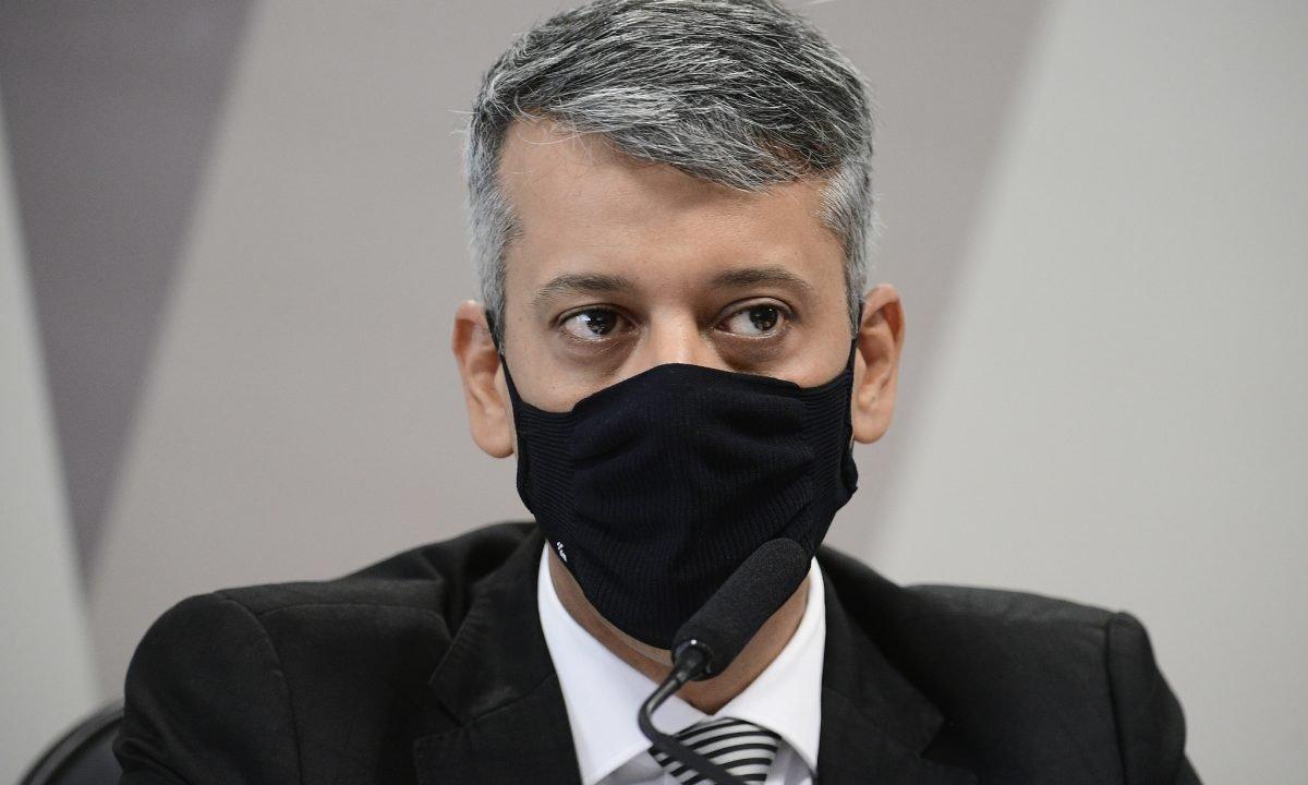 Ex-diretor de Logística do Ministério da Saúde é preso após depoimento à CPI da Covid