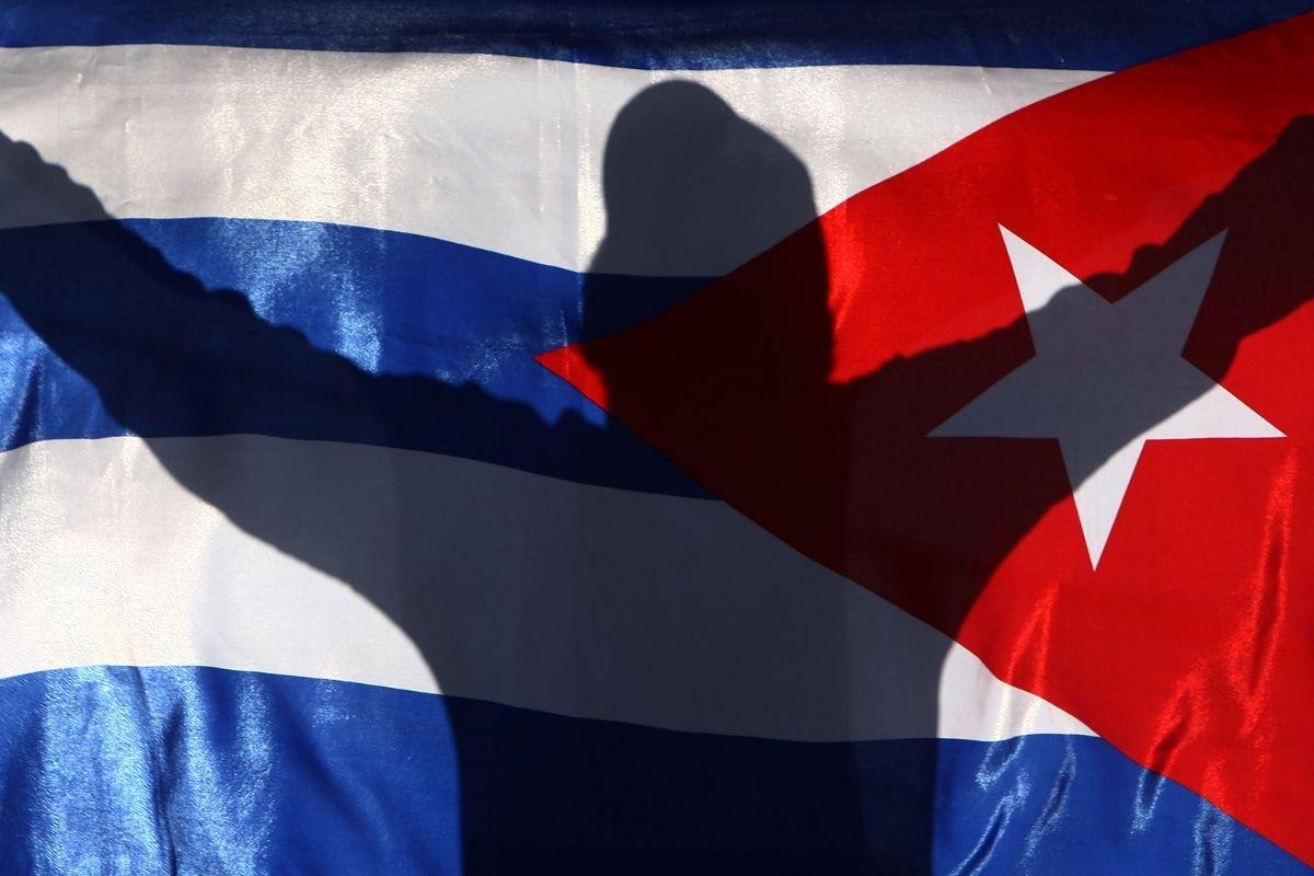 "Cuba e a ""hemiplegia moral"" da política"
