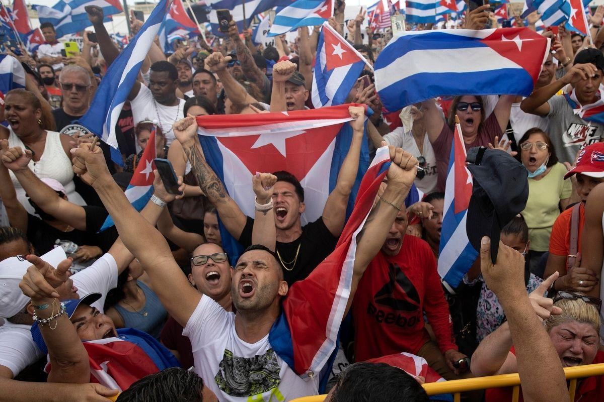 Cuba liberdade x revolução