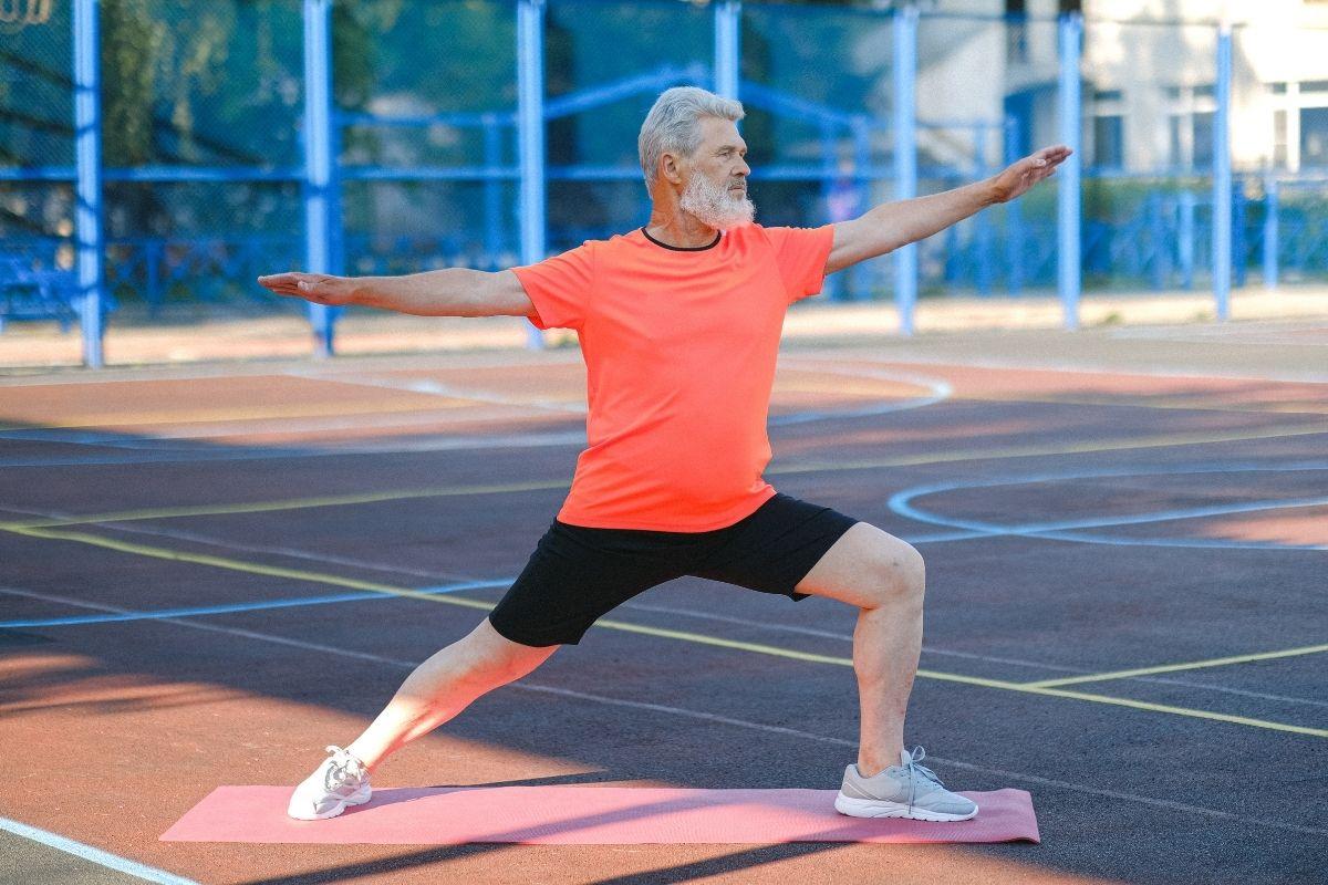 Dia dos Avós exercício físico na terceira idade promove bem estar