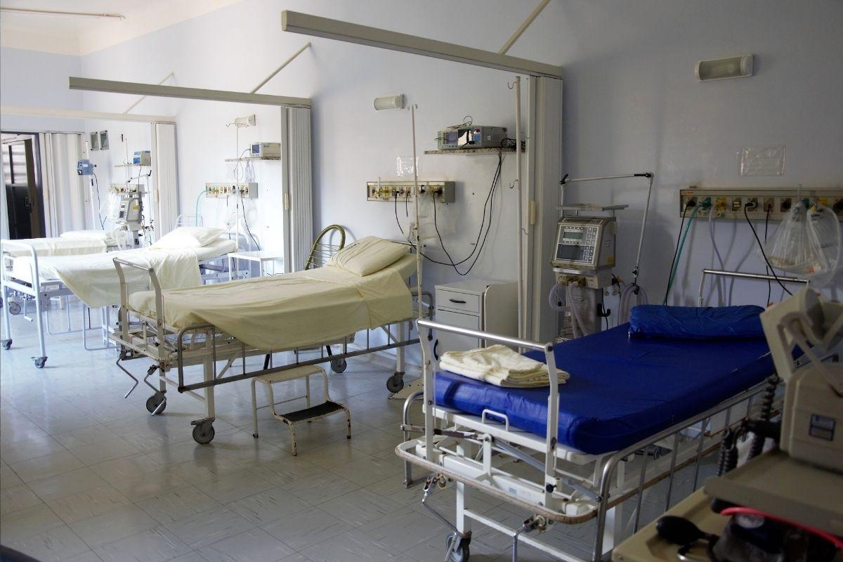 Fiocruz com avanço da vacinação, mortes e ocupação de UTIs têm queda