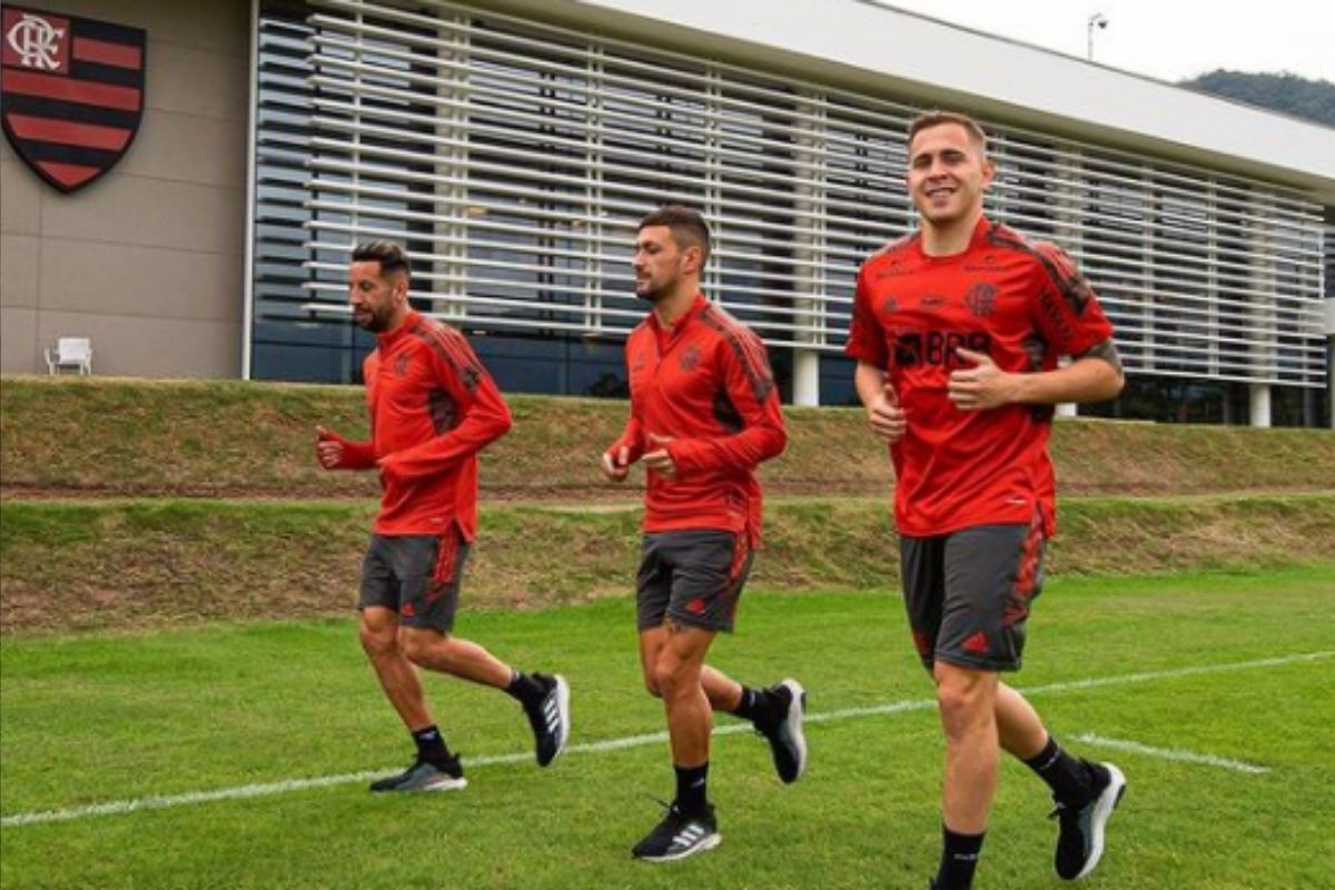 Flamengo enfrenta o Atlético-MG nesta quarta pelo Brasileirão