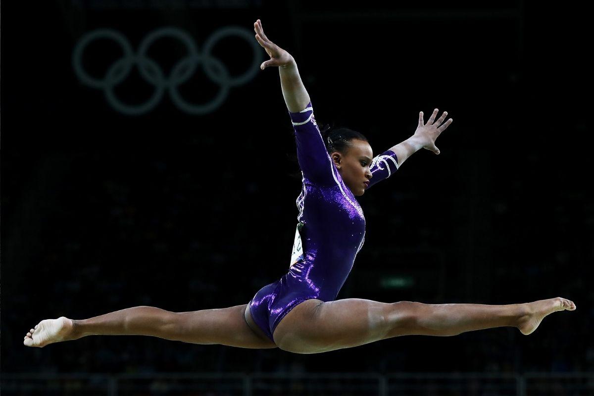 Rebeca Andrade conquista medalha inédita na ginástica artística