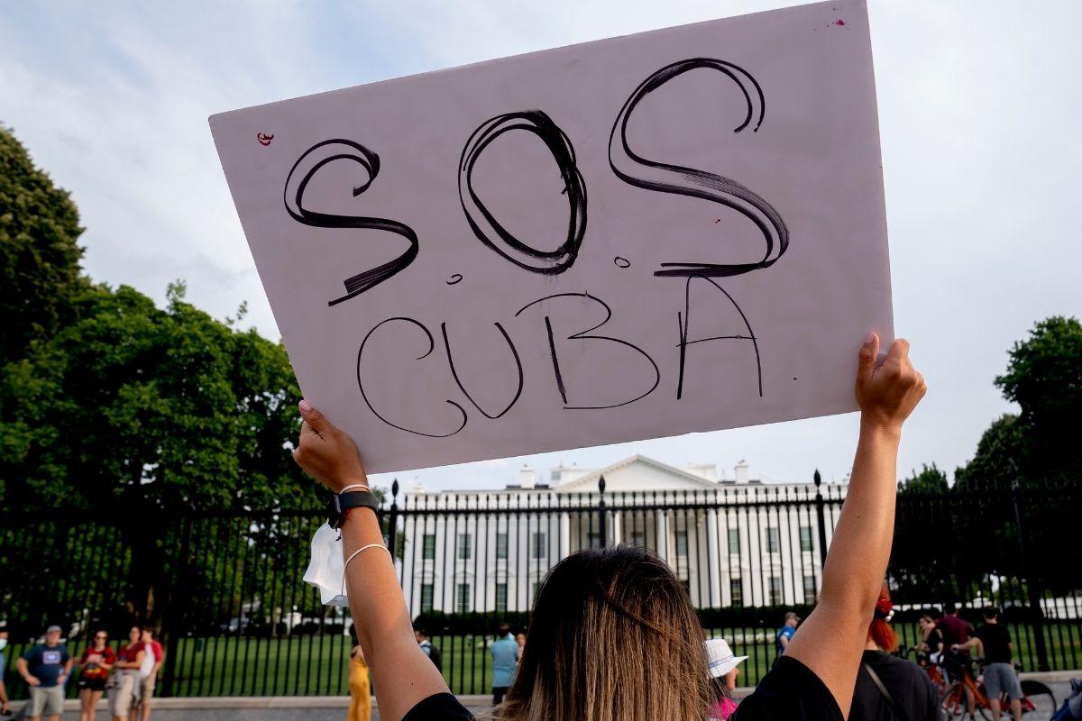 Revolução Cubana abertura ou caos