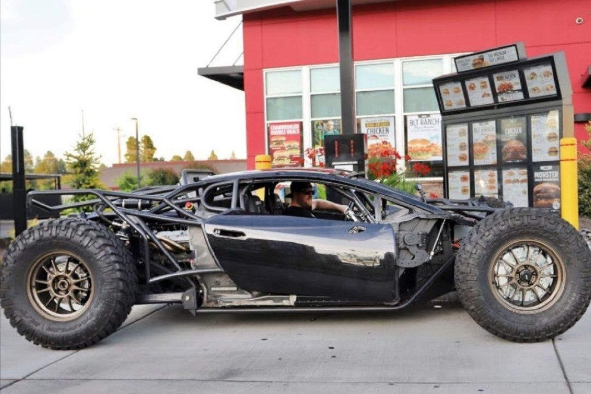Youtuber transforma Lamborghini Huracán em um buggy 4x4